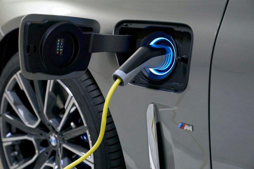 BMW Hibrit Model