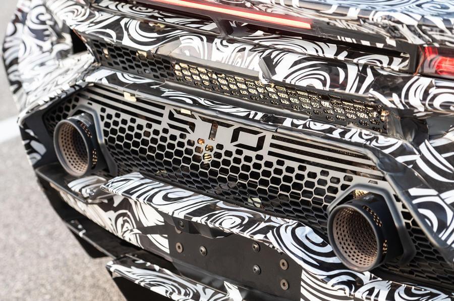 2020 Lamborghini Huracan STO egzoz