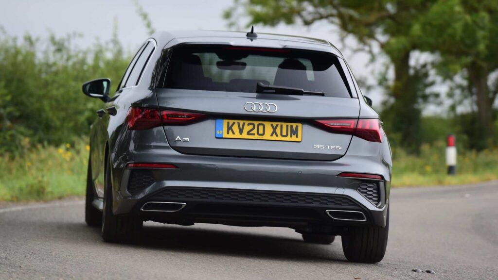 2021 Yeni Audi A3 - BMW 1 ve A Serisinden İyi mi?