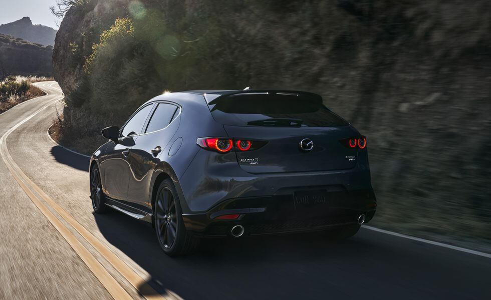 2021 Yeni Mazda3 arka tasarım