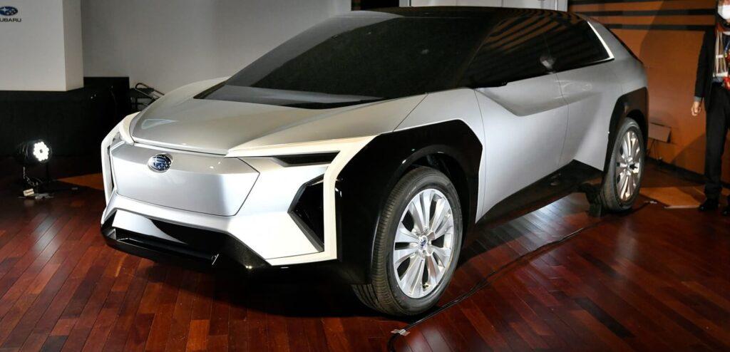 Subaru Evoltis fotoğrafları