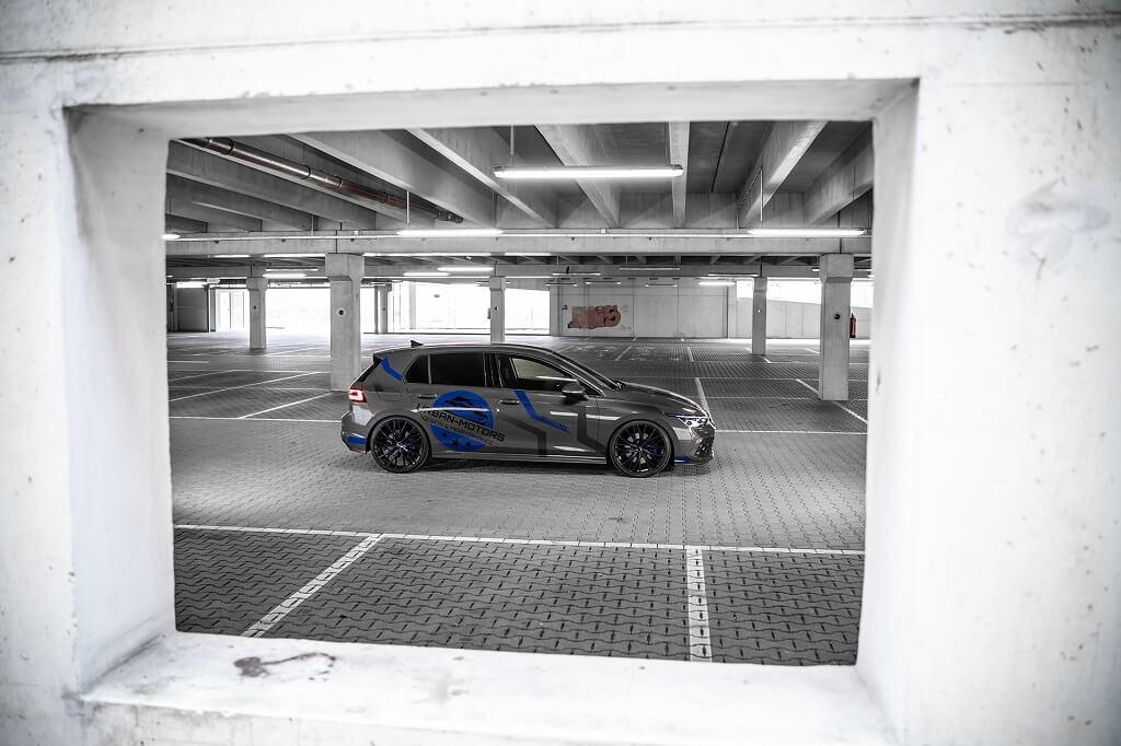 Modifiyeli Yeni Golf 8 GTE yan tasarım