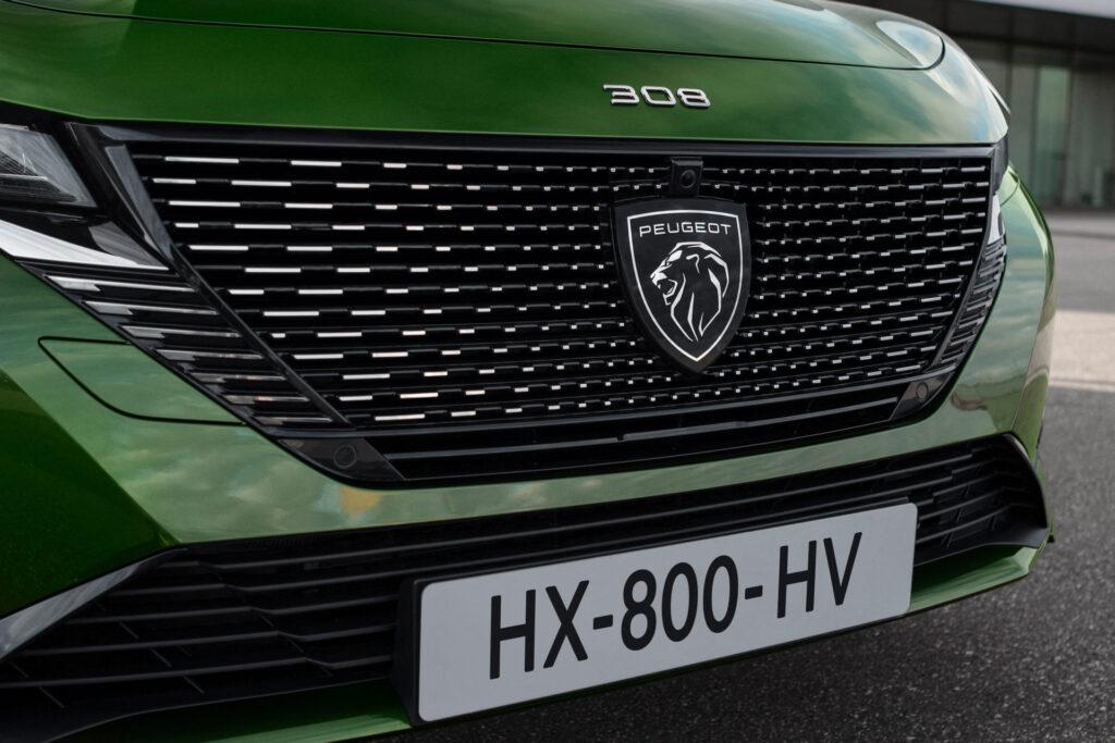 2021 Yeni Peugeot 308 aslan logosu