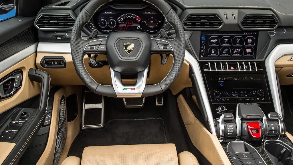 Lamborghini Urus iç mekan
