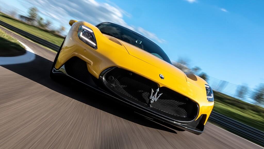 2021 Maserati MC20 LED far teknolojisi