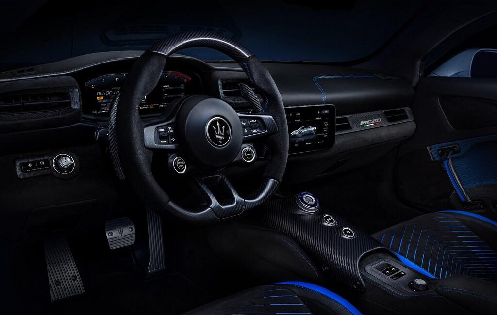 2021 Maserati MC20 iç mekan