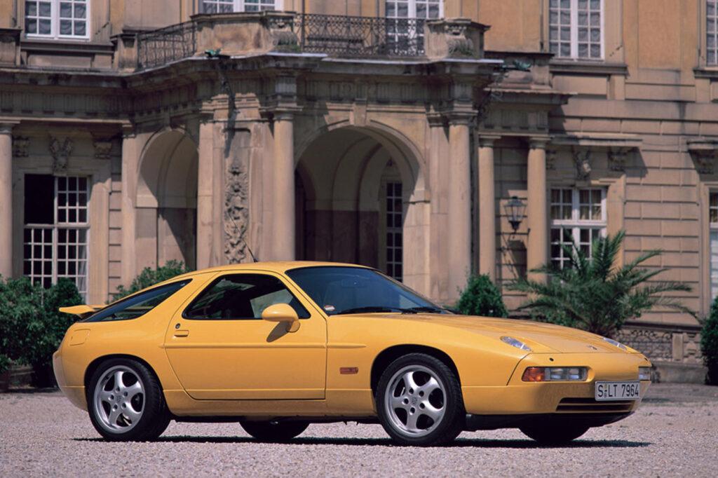 Özel Motora Sahip 7 Araba Porsche 928
