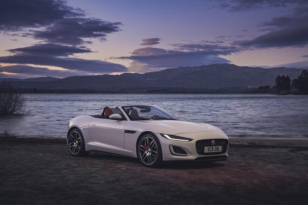 2022 Jaguar F-Type yan tasarım