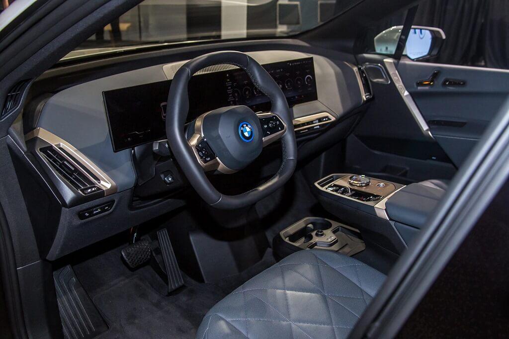 BMW iX'in En İyi 10 Özelliği iç mekan