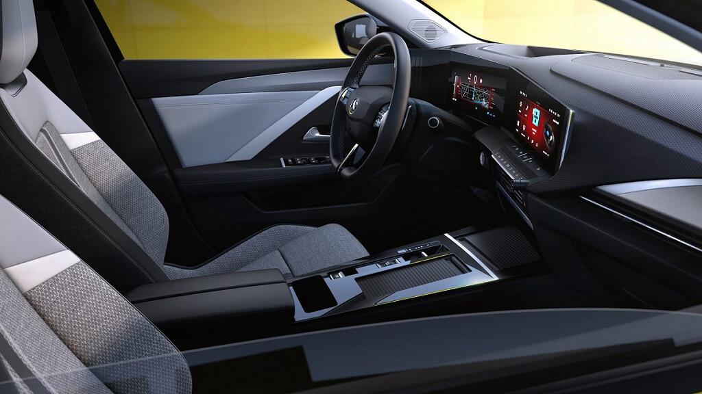 2022 Yeni Opel Astra iç tasarım