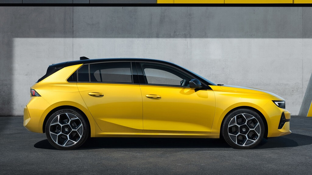 2022 Yeni Opel Astra yan tasarım