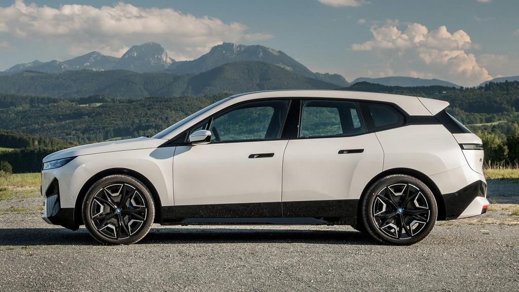 2021 Yeni BMW iX görselleri