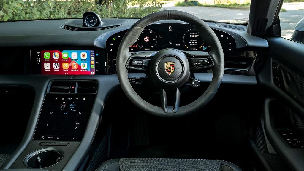 Porsche Taycan 4S Cross Turismo iç mekan