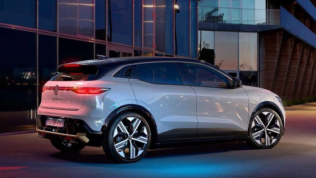 Yeni Renault Megane E-Tech fotoğrafları