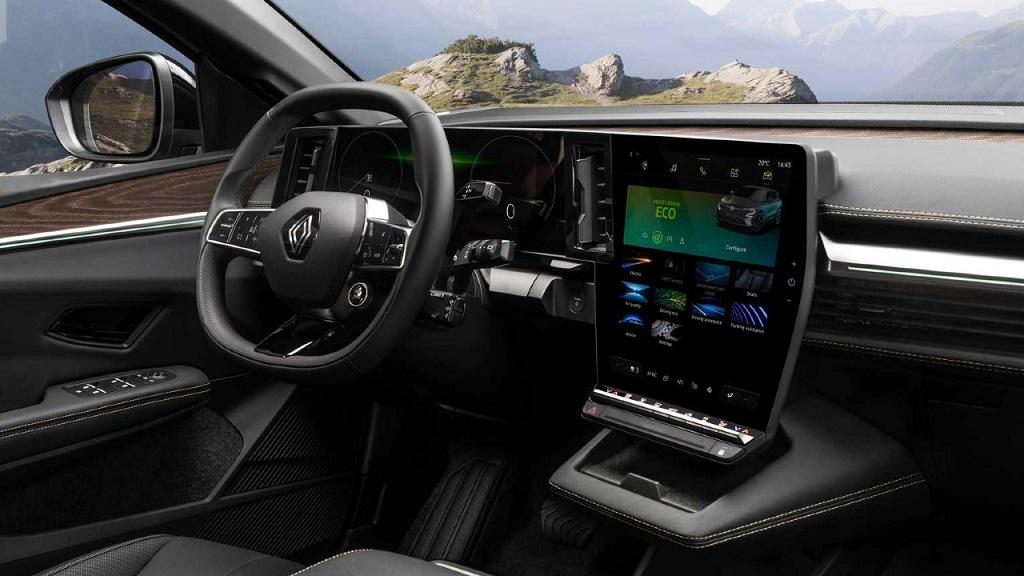 Yeni Renault Megane E-Tech iç tasarım