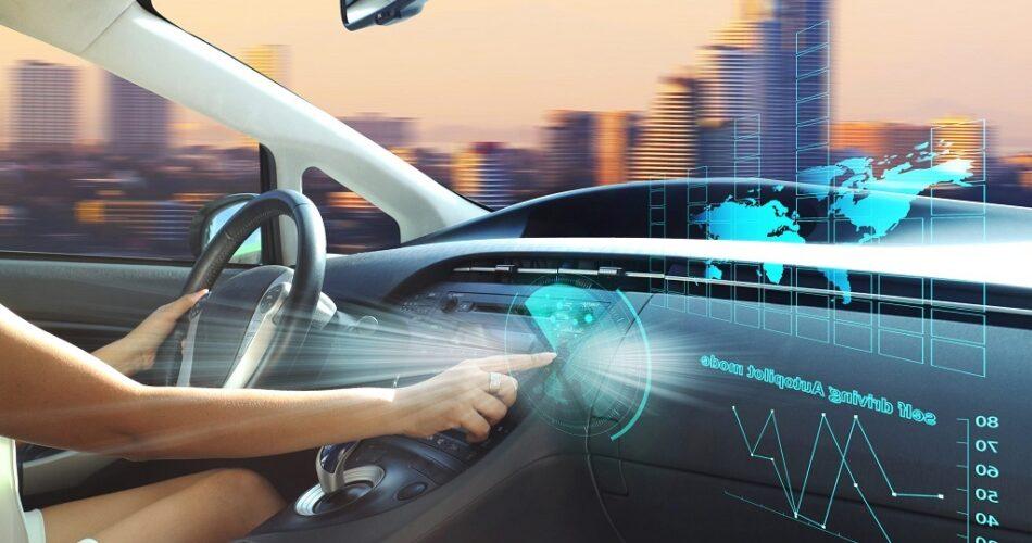 Aslında Arabalarımızdaki Teknolojileri Kullanmıyoruz!