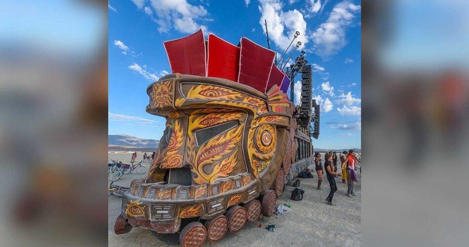 Burning Man Sergisi araçları