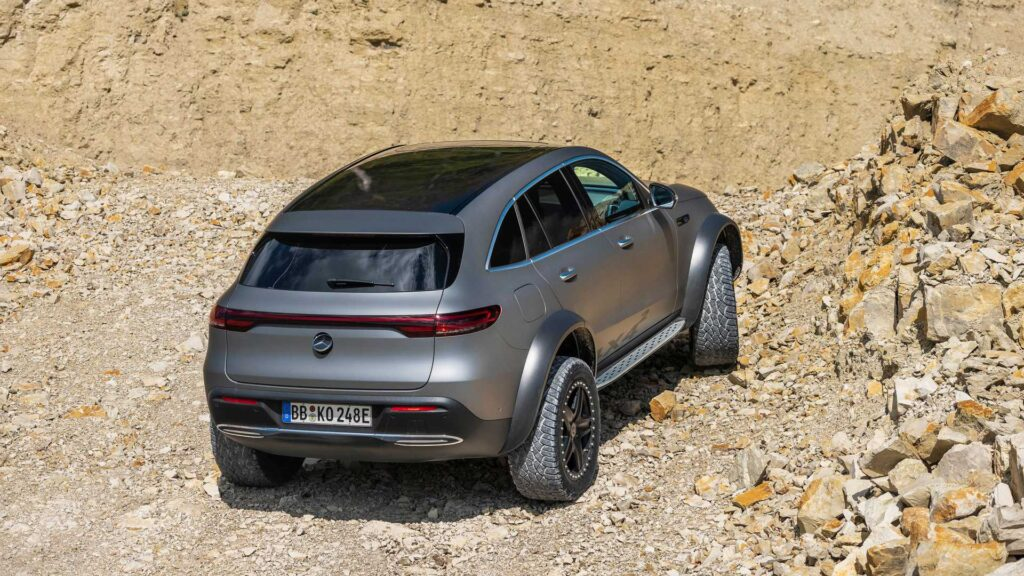 Mercedes-Benz EQC 4x4 görselleri