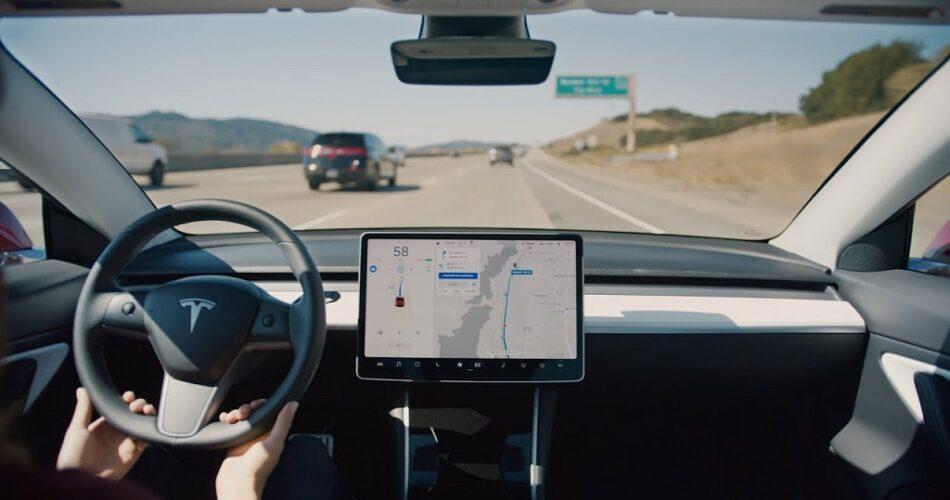 NHTSA'dan Tesla'ya: Otopilot Acil Durum Güncelleme Uyarısı